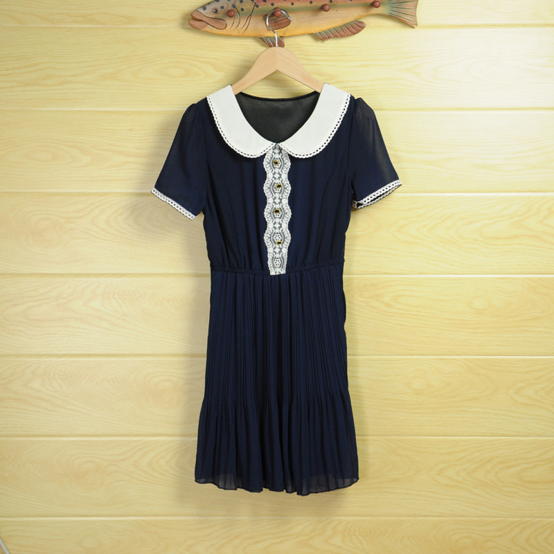 White lace short sleeve round neck waist blue dress