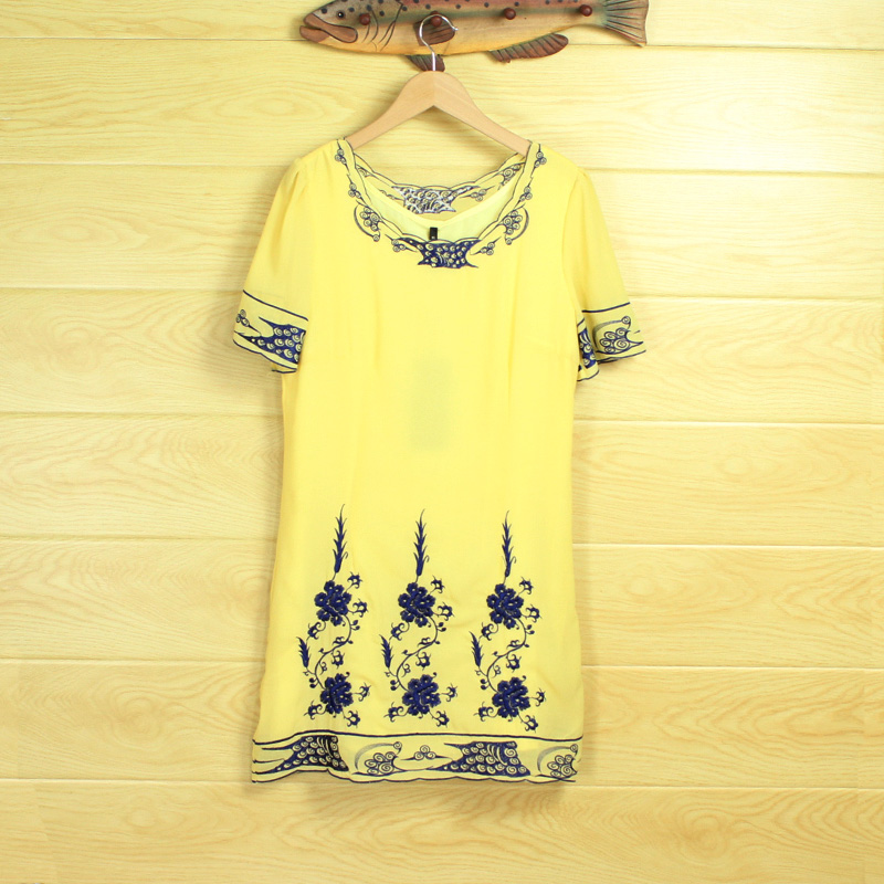 Embroidered retro short sleeve round neck loose yellow dress double liner quality ladies one piece dress in summer