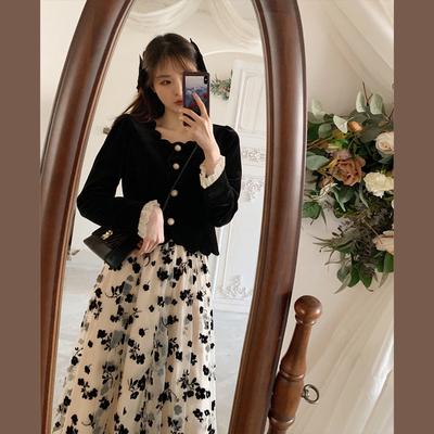 丸子时装定制2021春季复古黑色丝绒花瓣领短上衣网纱碎花半身裙