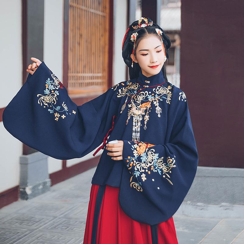 汉尚华莲传统汉服女装饷新蟹刺绣深蓝色立领上袄搭配红色下裙冬款
