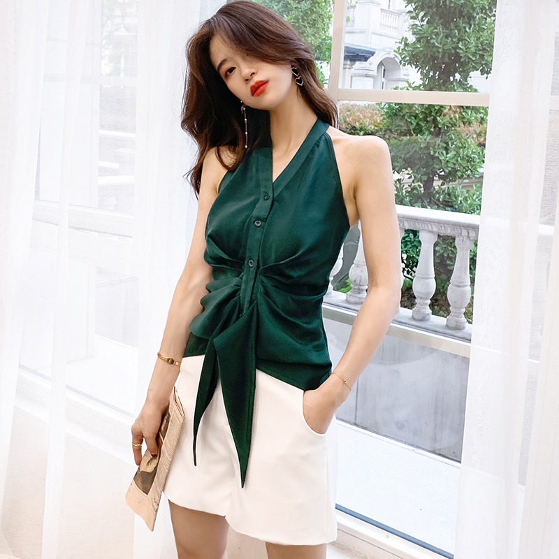 Only s real shot 316 2020 net red ins temperament hanging neck V-neck open back sleeveless pleated irregular shirt