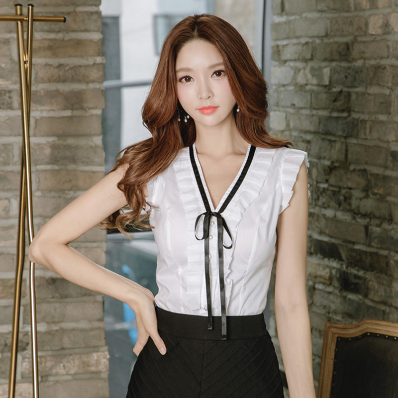 Only LXL) 834 2018 summer new temperament celebrity sexy V-neck shirt loose thin top white shirt