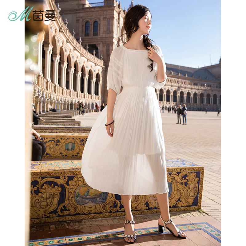 茵曼裙子2018夏装新款船领灯笼袖中袖白色仙气连衣裙女百褶气质裙