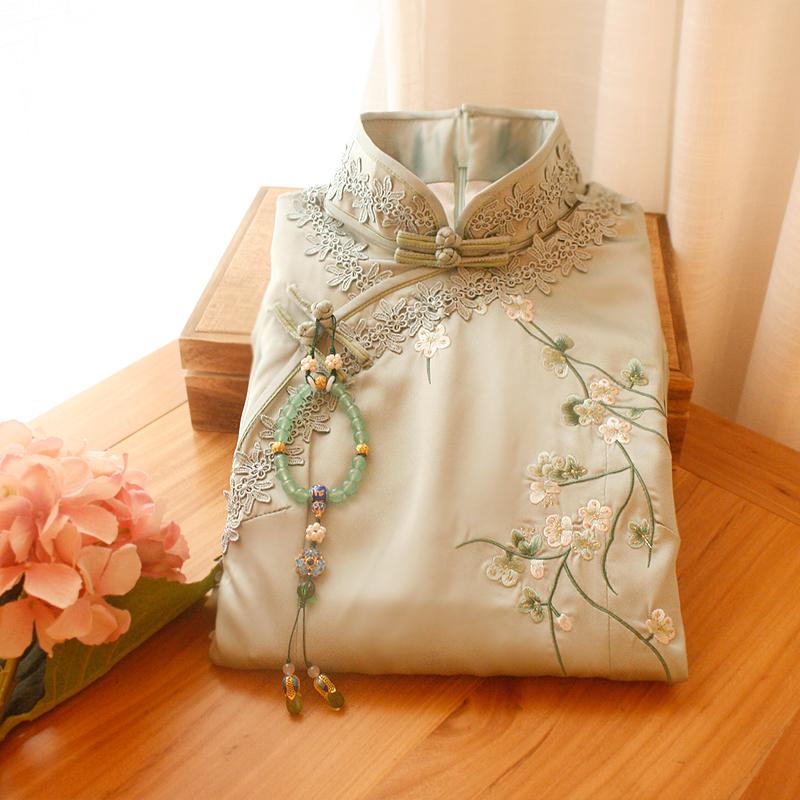 依依家的 点染刺绣梨花中式改良旗袍连衣裙时尚女修身秋冬中长款