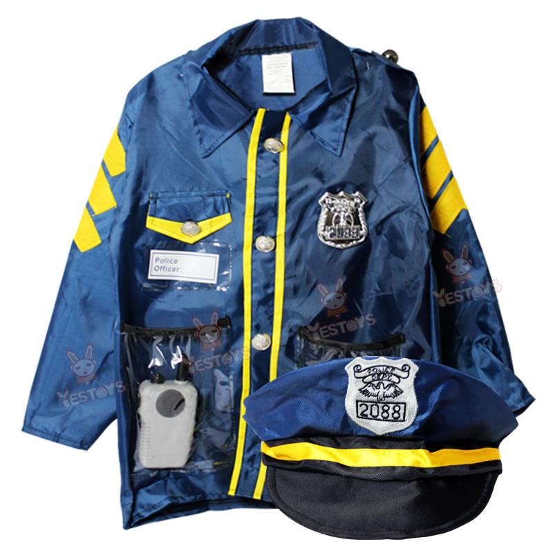 ハロウィンの子供服警官役で、幼稚園の演芸道具交通警察の手錠をかける。