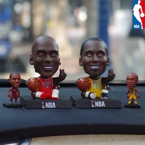 篮球NBA科比乔丹哈登汽车摆件可爱车内摇头公仔车载中控台装饰品