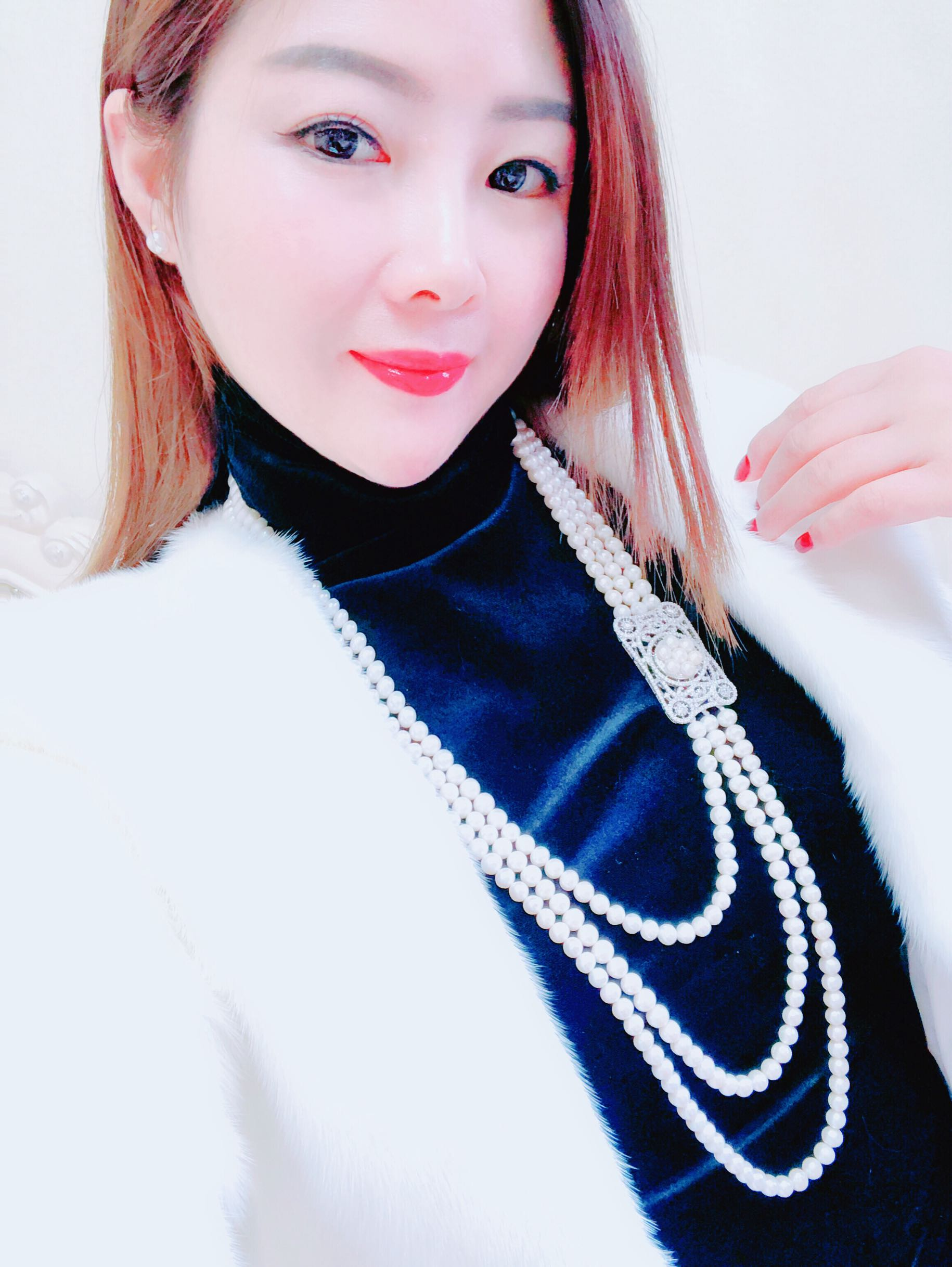 New super fashionable natural pearl sweater chain long necklace with fur are very beautiful
