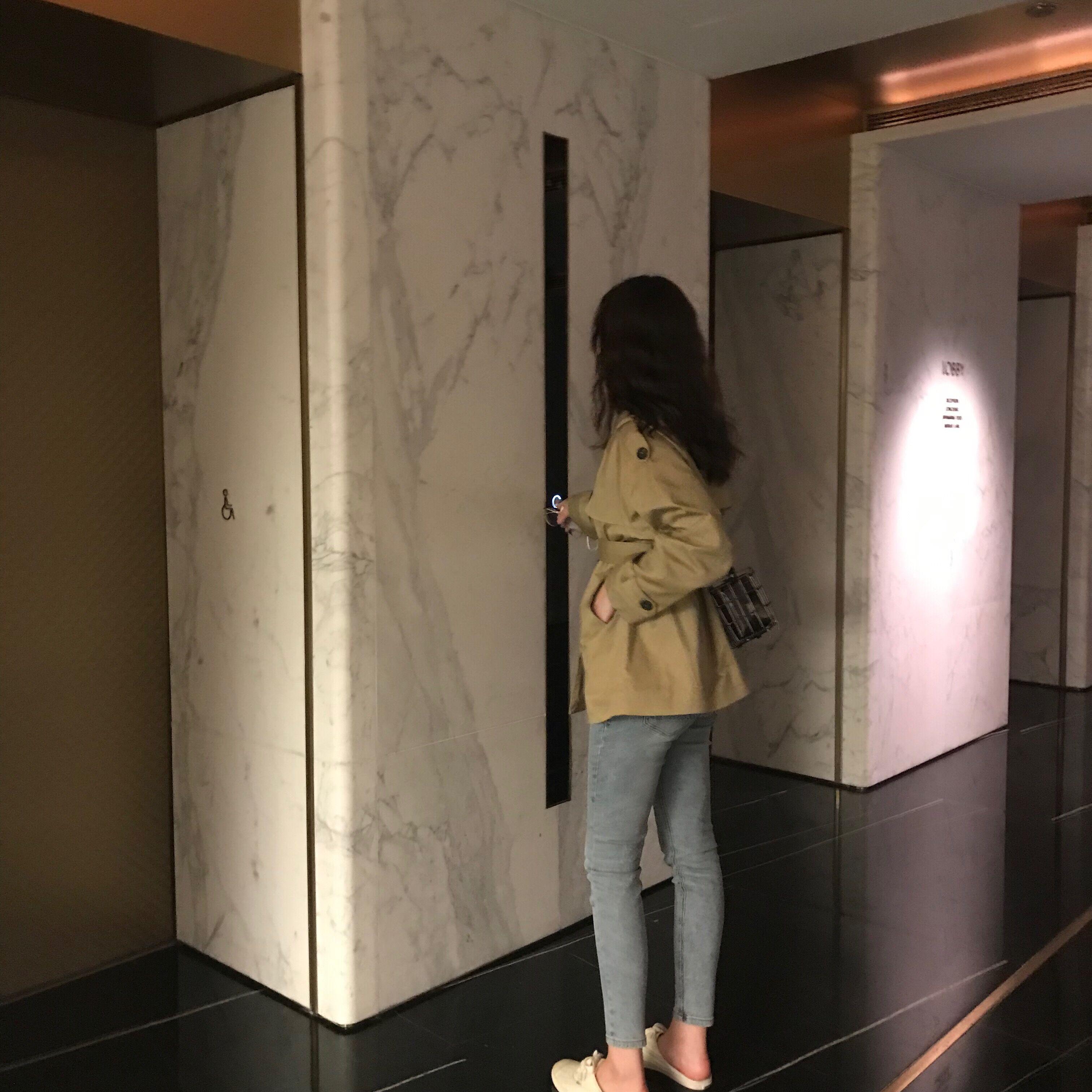 [MOREYUYEE风衣]YUYEE 2019流行风衣女短款网月销量3958件仅售289元