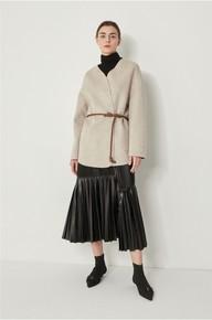 12-26韩国直邮=韩国工作室SYSTE* 20冬款短外套  剪标 配腰带