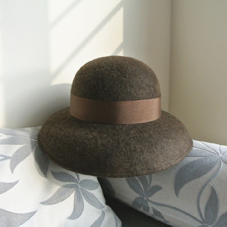 券后82.00元法式复古棕色驼色女秋冬英伦黑色赫本羊毛呢钟型礼帽盆帽渔夫帽子