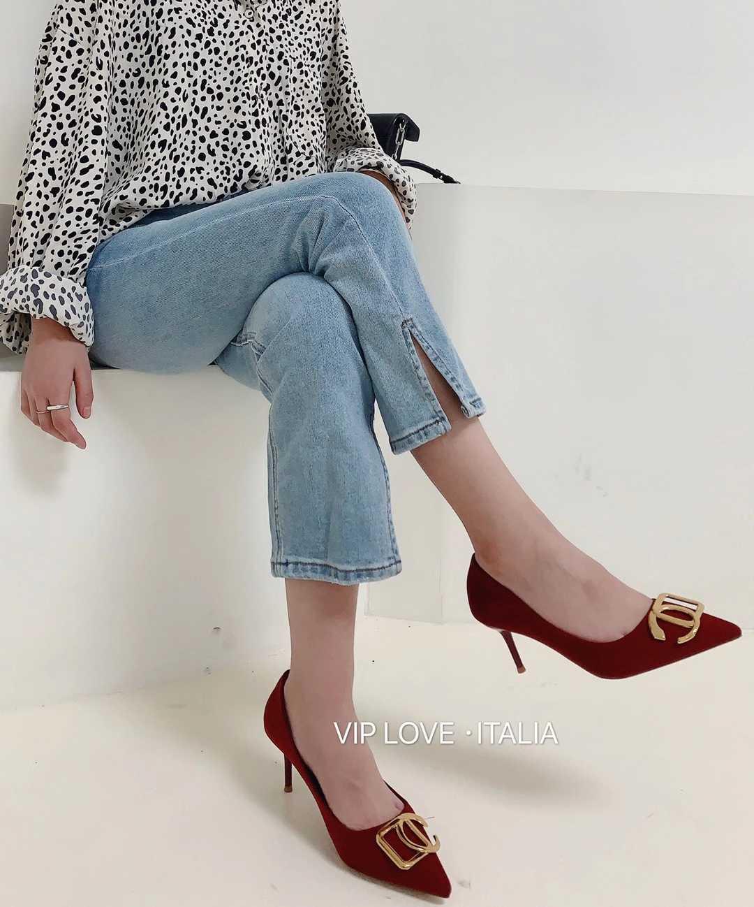 Viplove螺纹高跟鞋女鞋爆款百搭细跟尖头时尚单鞋爆款三色