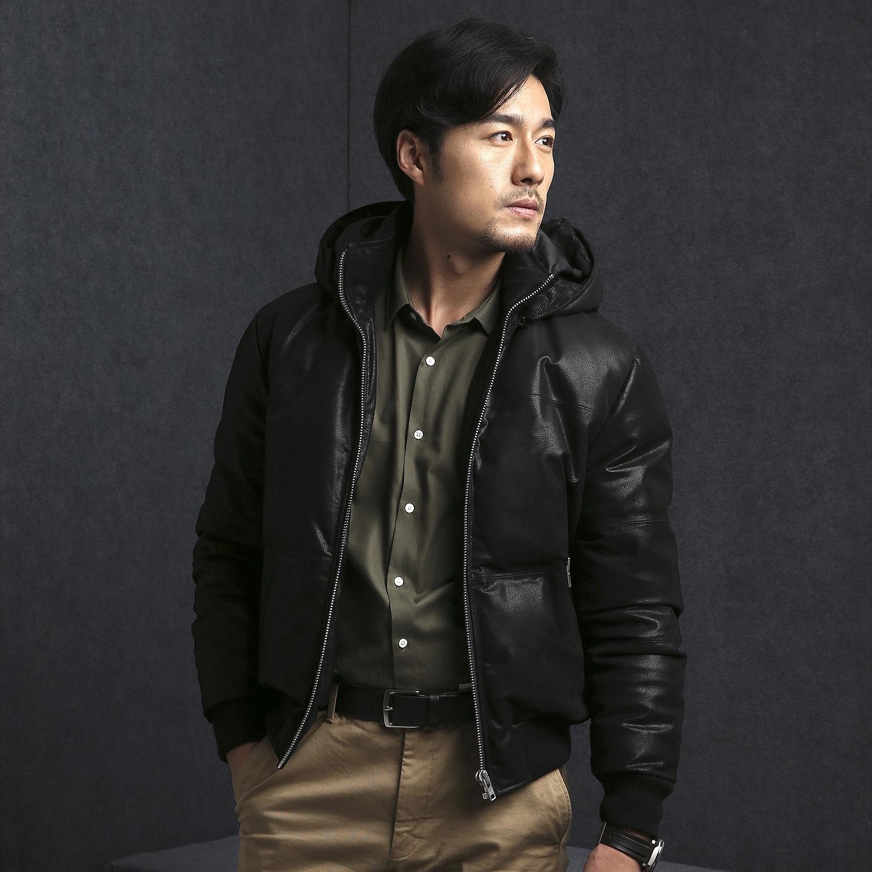 新款男高品质猪皮白鸭绒保暖短款连帽可拆卸真皮羽绒夹克