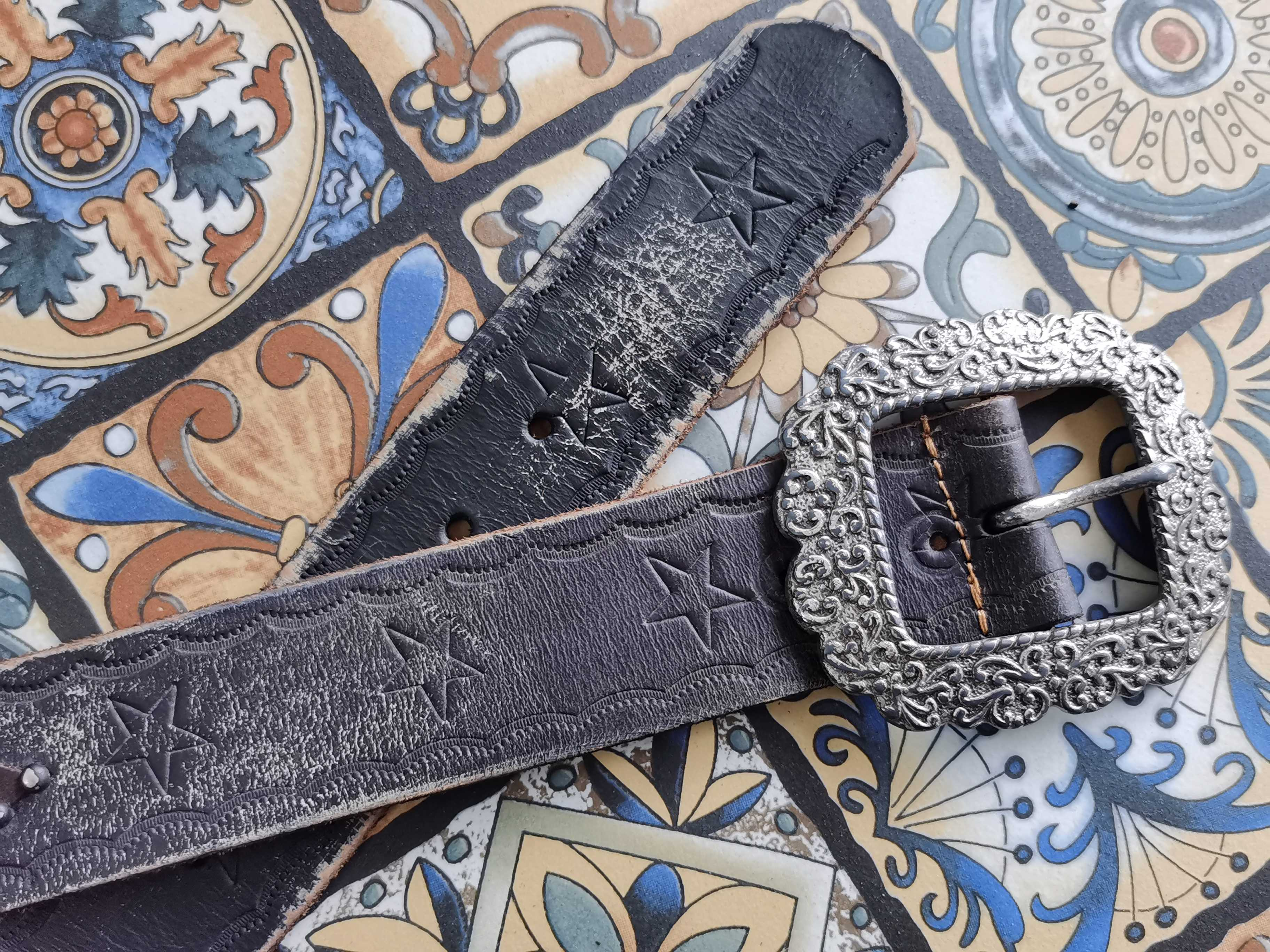 Antique Silver carved antique head grey black inlaid punk wind embossed pure cow leather casual mens belt