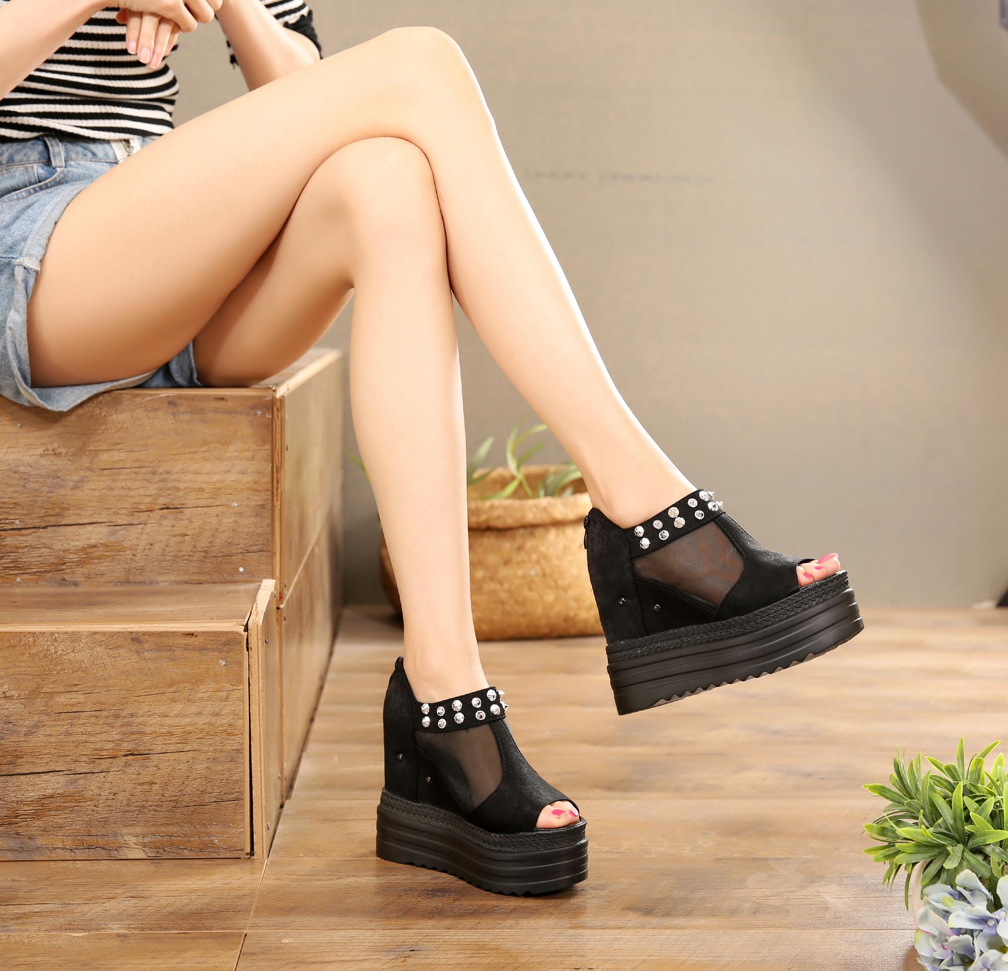 2021春夏新款高跟镂空鱼嘴靴12cm坡跟内增高松糕厚底罗马女凉鞋潮