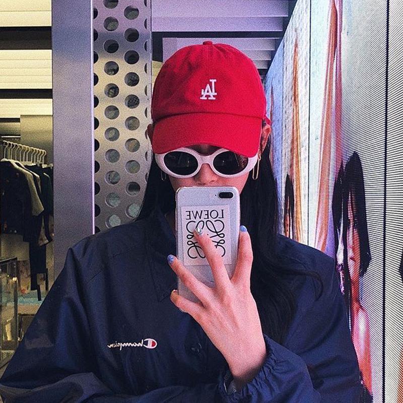 47红色帽男潮女鸭舌帽韩版软顶帽ny帽子小标棒球帽la嘻哈秋ins帽