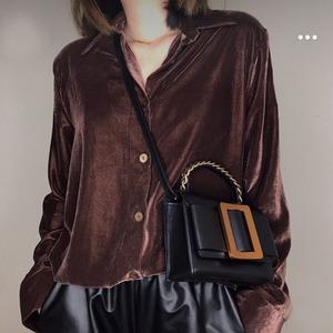 泰国小众女包设计2020新款网红小黑包大方扣蝴蝶结包单肩斜挎手提
