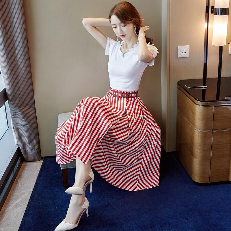 2019新款夏季很仙的法国小众网红套装两件套泫雅时尚条纹半身裙女假一赔三