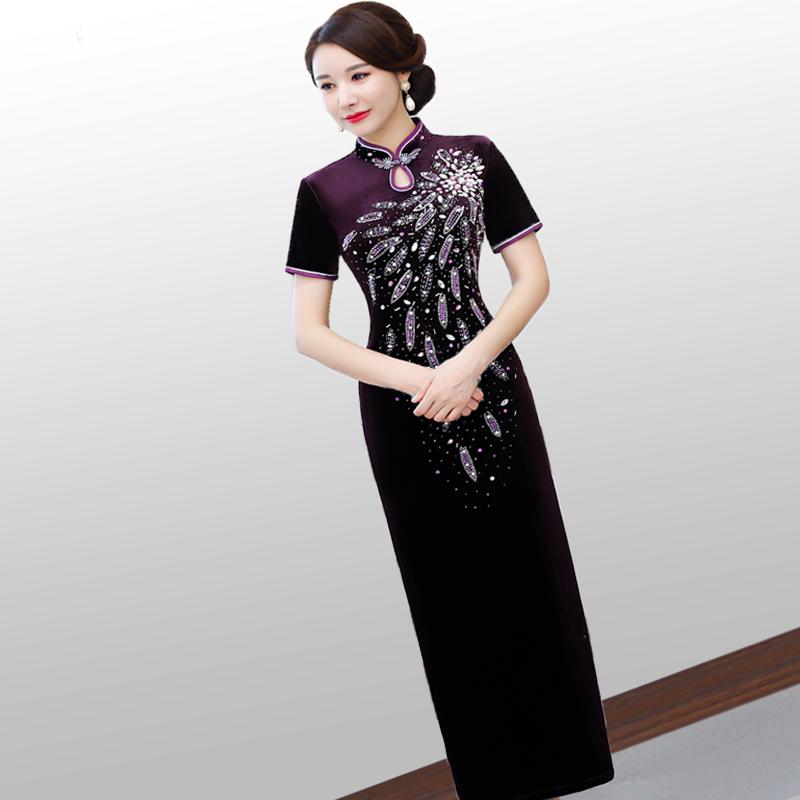 喜婆婆高档金丝绒旗袍2020改良版走秀长款中年女妈妈气质连衣裙红