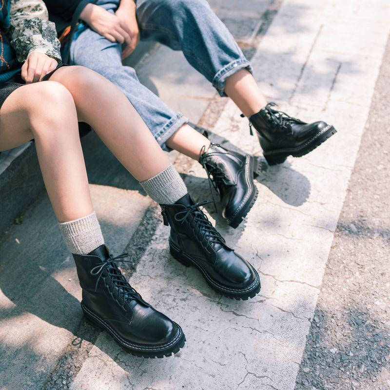 柒步森林帅气牛皮马丁靴女2020夏季新款厚底英伦风薄款网红短靴子