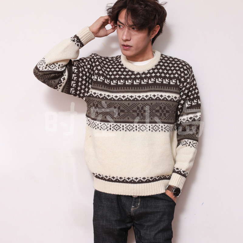 Vintage Art pop pattern with snowflake handle special color retro color christmas gift sweater