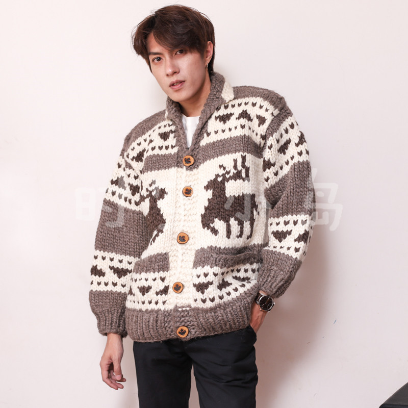 Elk handle Christmas gift snow ice maple leaf button thick knitting cardigan sweater Kanata