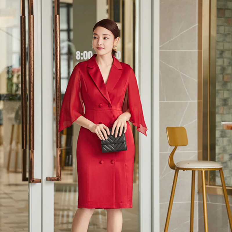 Spring / summer 2020 suit collar dress new fashion red double breasted waistband versatile dress 150300