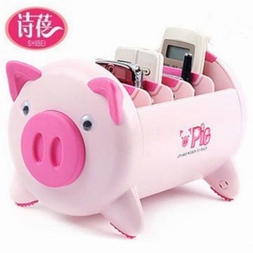 Милый маленький свинья в коробку | дистанционное управление устройство в коробку | мусор в коробку