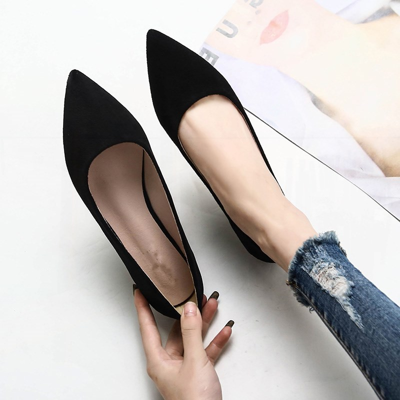Hong Kong leather 2021 spring new Korean versatile pointed single shoes flat bottom shallow mouth scoop shoes boat shoes black womens shoes