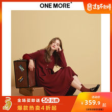 ONE MORE 2009 Autumn and Winter New V-neck Knitted Dress