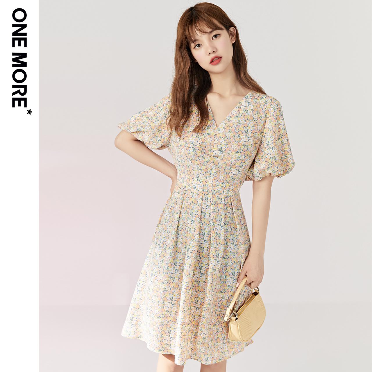 .ONEMORE2020夏天新款小碎花复古雪纺连衣裙收腰显瘦气质V领裙子