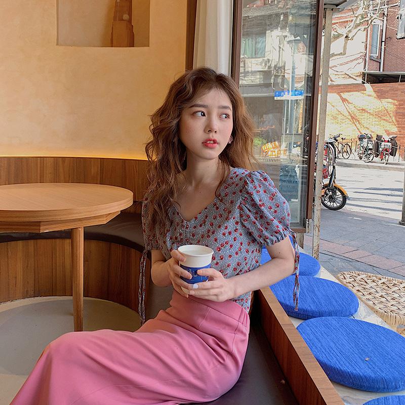 小野智恩碎花短袖雪纺衫女2020夏泡泡袖短款v领系带印花衬衫上衣