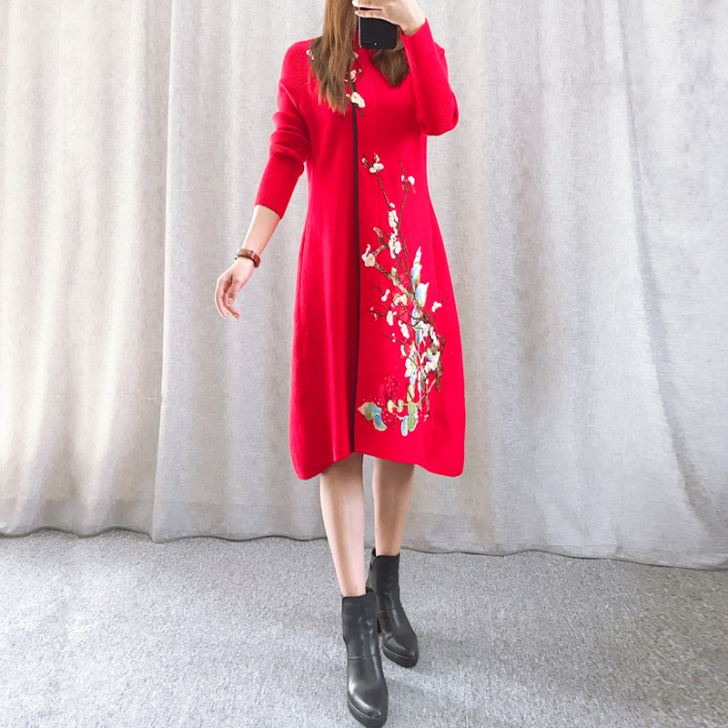 New autumn / winter 2019 elegant temperament national style embroidered flowers medium length thin wool knitted dress