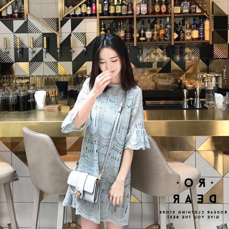 2018新款女装韩版小清新风裙子小个子港味时尚蕾丝连衣裙最新款