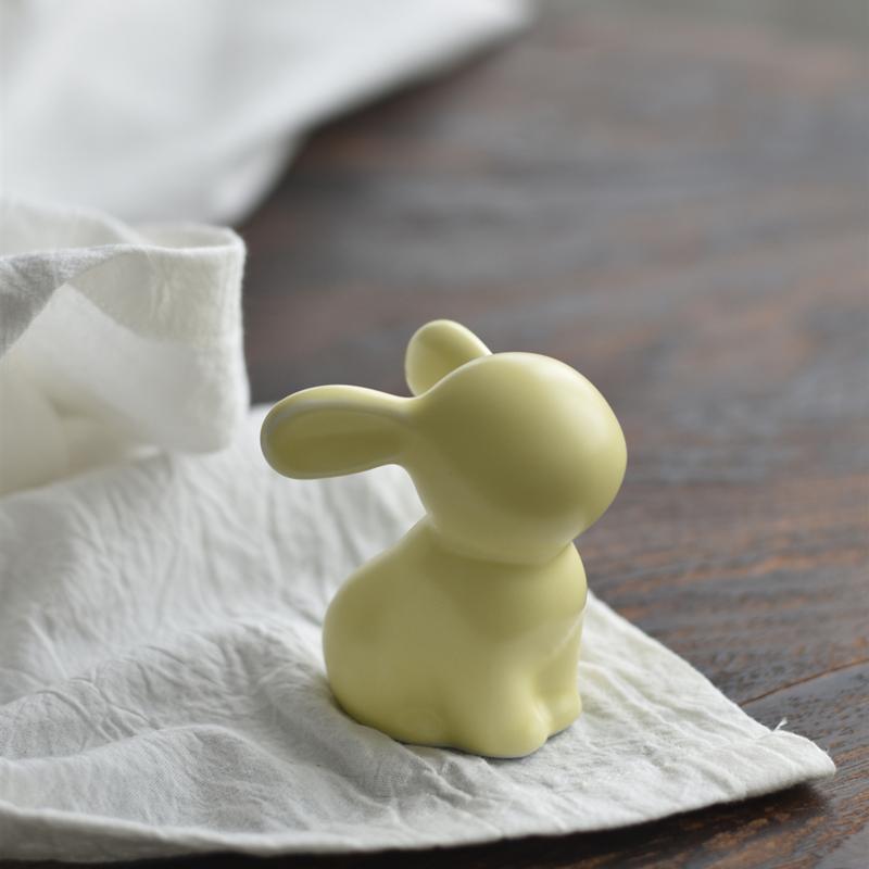 北欧风可爱兔子陶瓷摆件书桌客厅家居饰现代简约装饰摆设包邮礼物