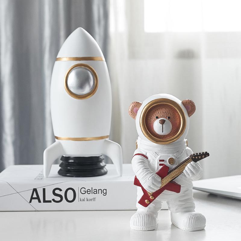 Spaceman/Astronaut Bear Model Nordic Home Desk Wine Rack Art