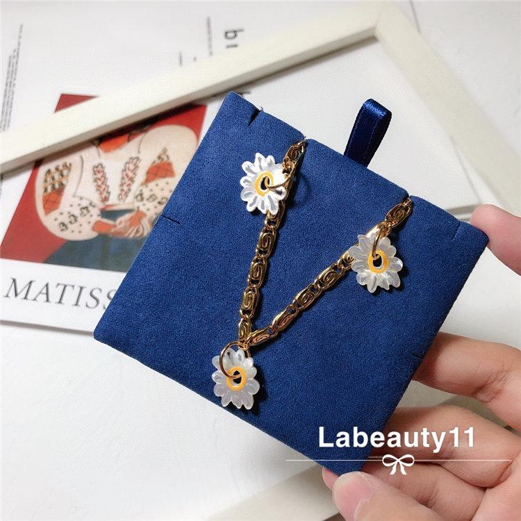 High end custom light luxury jewelry chrysanthemum pendant Decoration sunflower lovely small fresh holiday Style Necklace