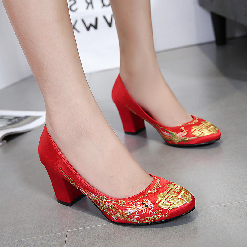 Xiuhe dress high heel round head Chinese embroidered wedding shoes red womens coarse heel Crystal Bridal Shoes Satin face wedding shoes