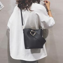 高级感包包女包2020新款斜挎包时尚百搭单肩包简约大容量水桶包女