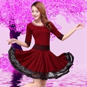 依姿美新款套装连衣裙女领广场舞服