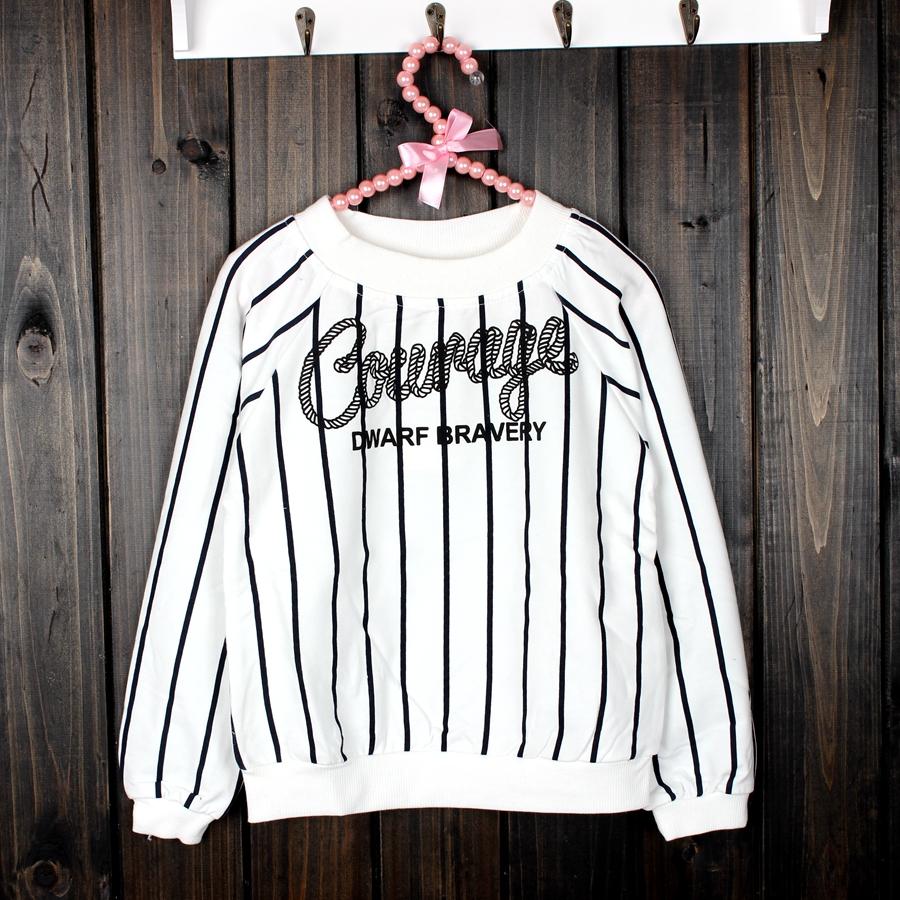 2018女童春款韩味一字领两穿字母竖条长袖卫衣 超性感英伦范十足