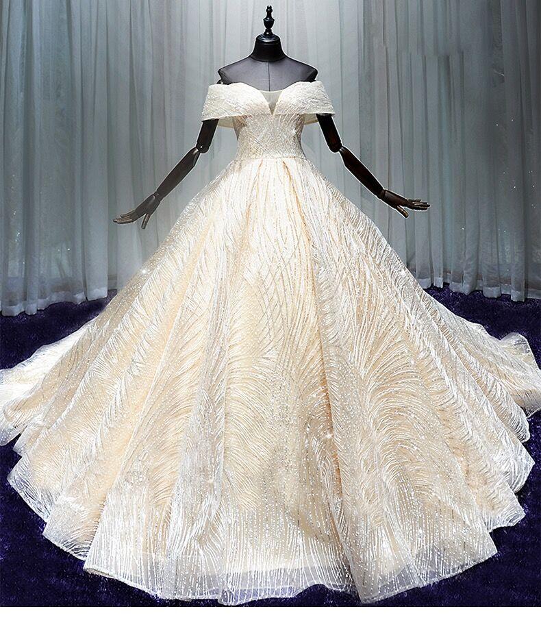 主婚纱2019新款拖尾礼服女新娘结婚显瘦一字肩轻婚纱超仙出租