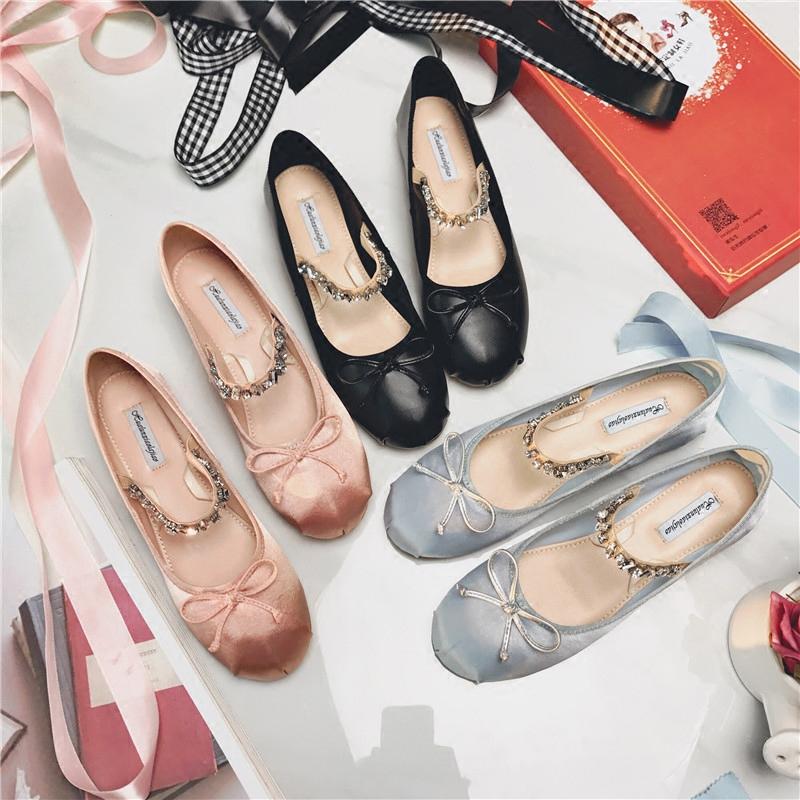 2018春夏新款芭蕾舞平底浅口单鞋女绑带蝴蝶结时尚绸缎复古水钻鞋