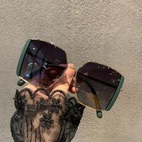 2021韩版新款大框方形潮偏光墨镜女大脸遮阳开车驾驶街拍太阳眼镜