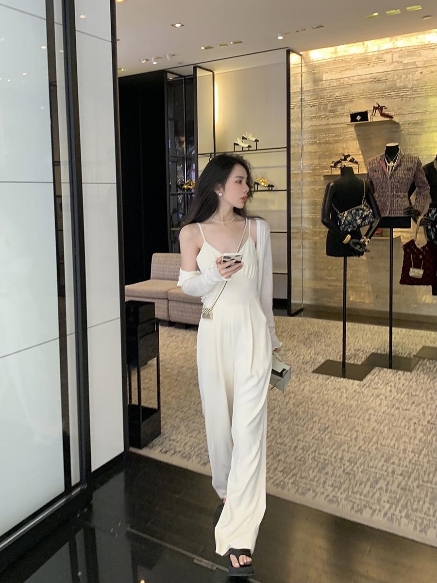邱肉瑶六一2021夏季新款宽松高腰休闲垂坠感纯色吊带连体裤潮女