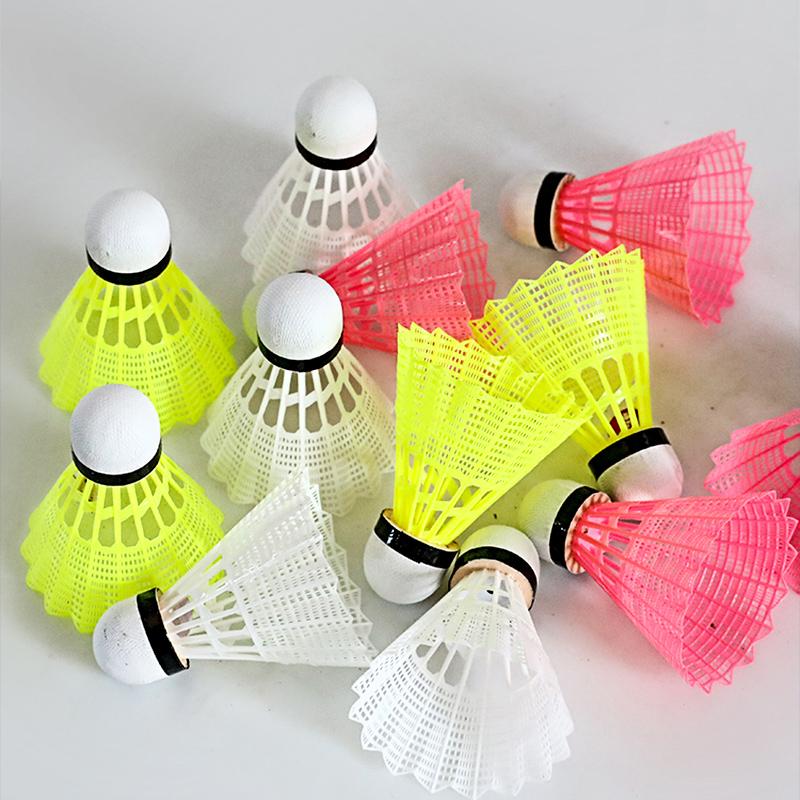 迪科斯羽毛球12只装 耐打王训练用塑料尼龙胶球6防风室内外打不烂