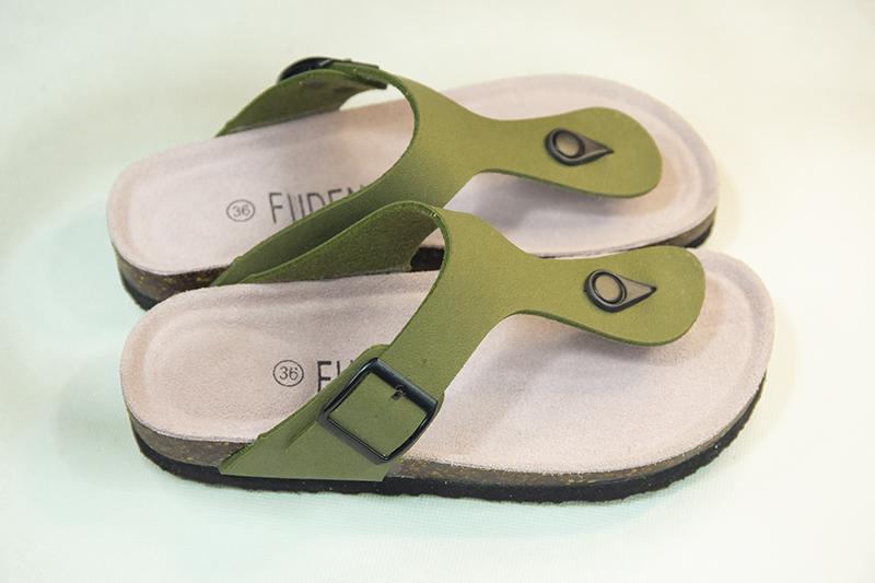 Womens Flip Flop Sandals flat soled cork mop Korean sandwich toe beach couple EVA rubber sole wear resistant leisure package