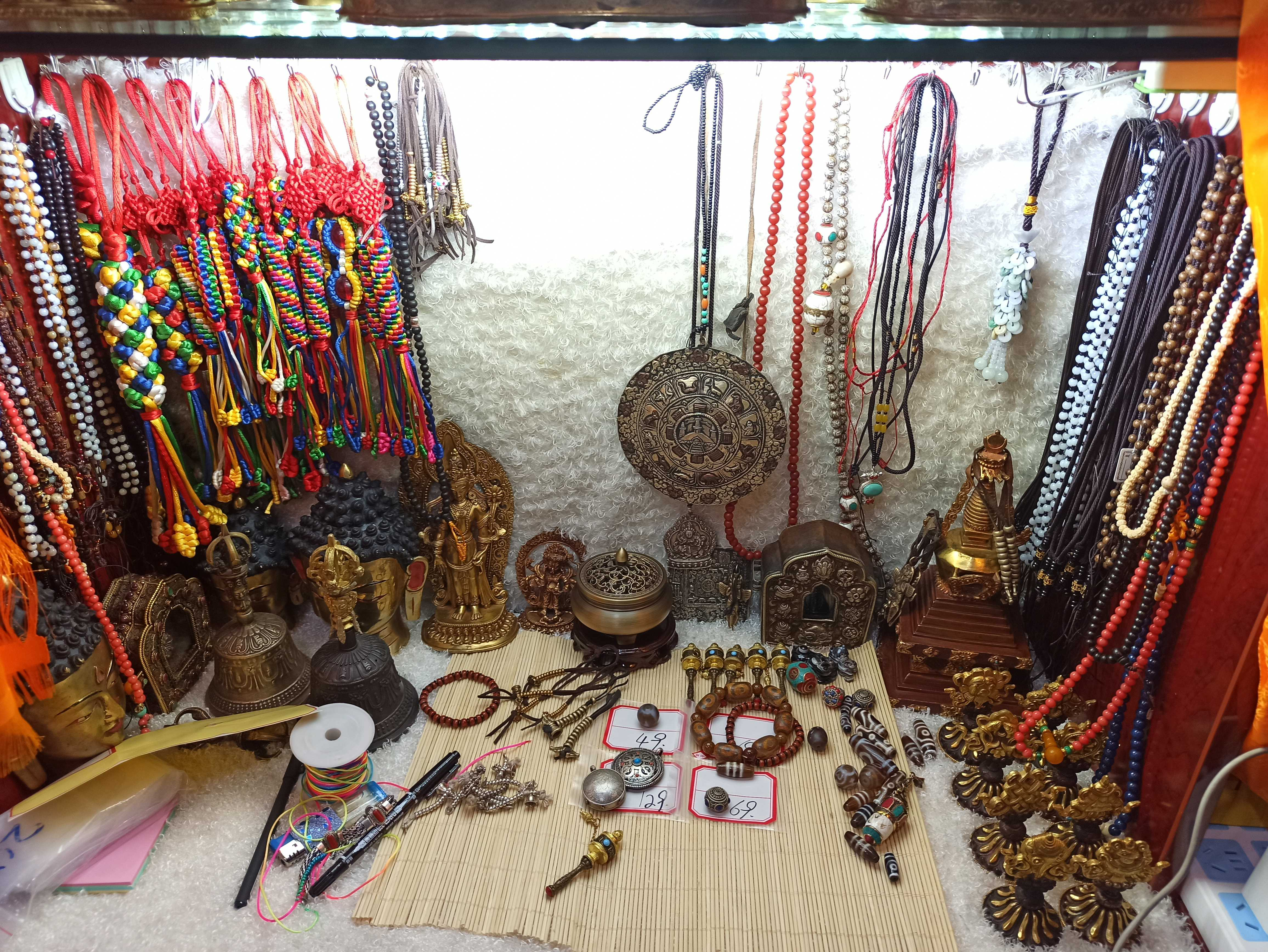 �f福佛缘阁尼泊尔老件小  天珠各种精品法器佛像唐卡直播间拍链接