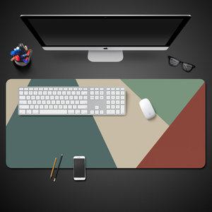 超大号简约创意鼠标垫游戏加厚锁边防水桌垫办公定制电脑键盘卡通