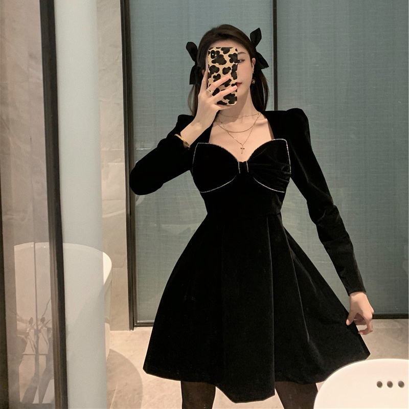 Large size women's design sense bow knot covering belly hidden meat dress female new fat MM autumn and winter age reduction skirt