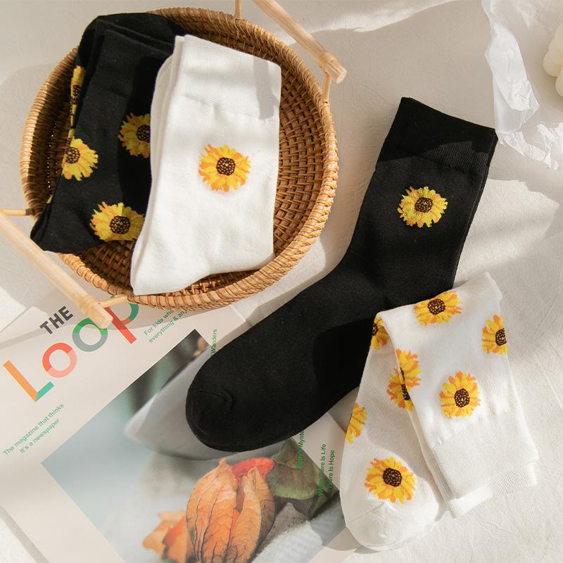 小雏菊袜子女ins潮日系可爱白色中筒袜韩国泫雅风小花夏季长袜子